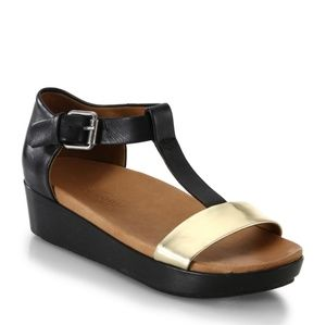 Gentle Souls Saks sandals sz 10/41 NIB